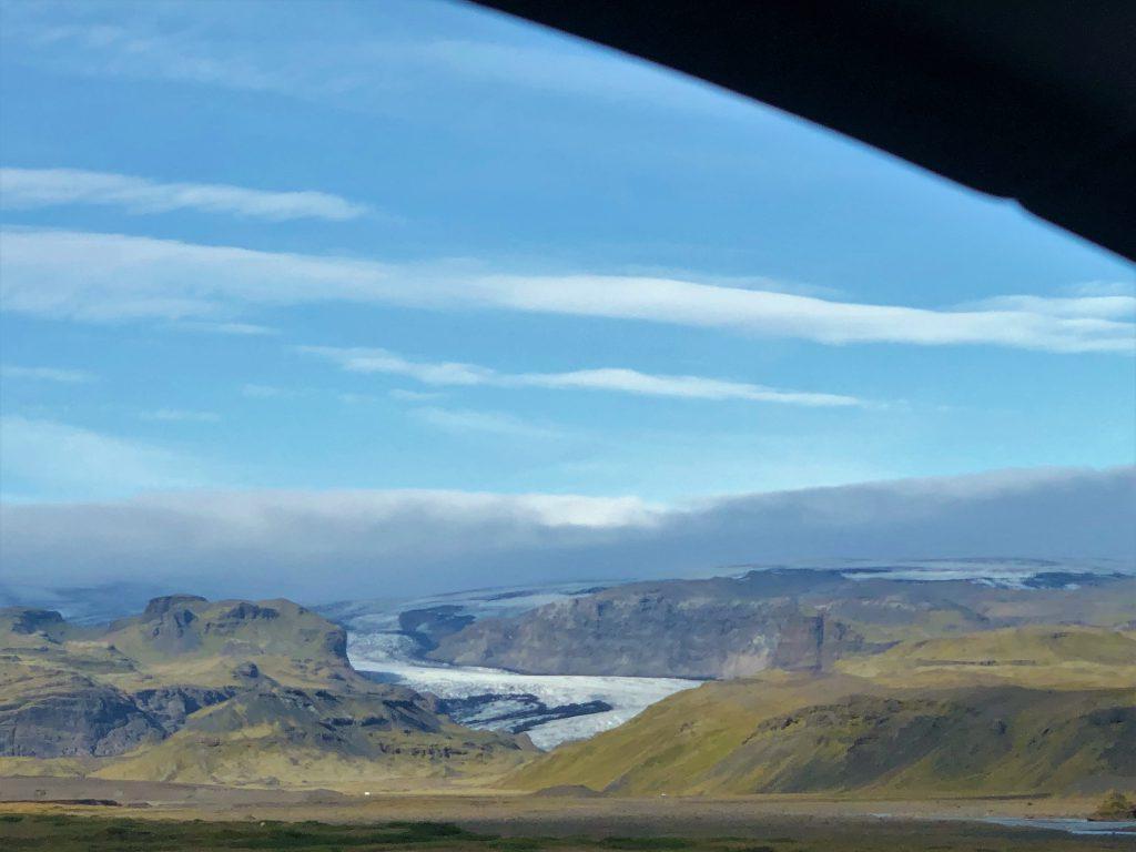 gletsjer-vanuit-de-auto