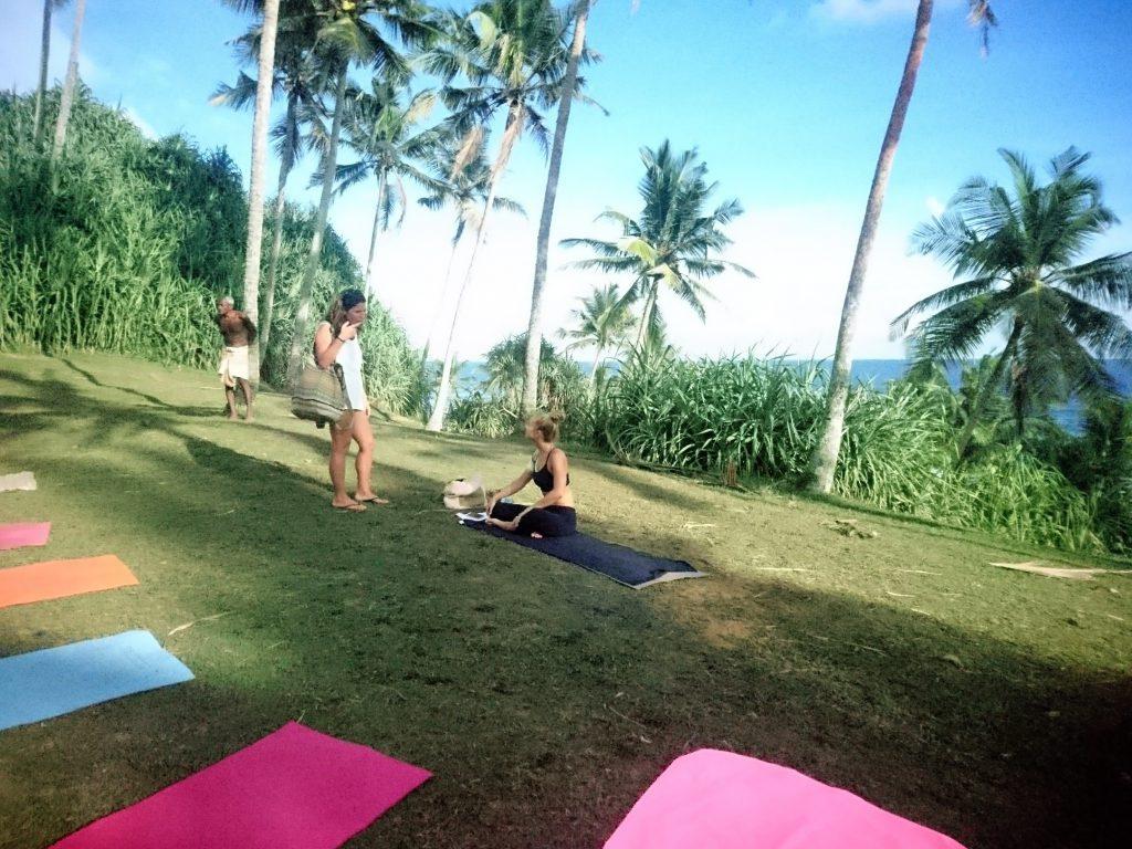 sunset-yoga-mirissa
